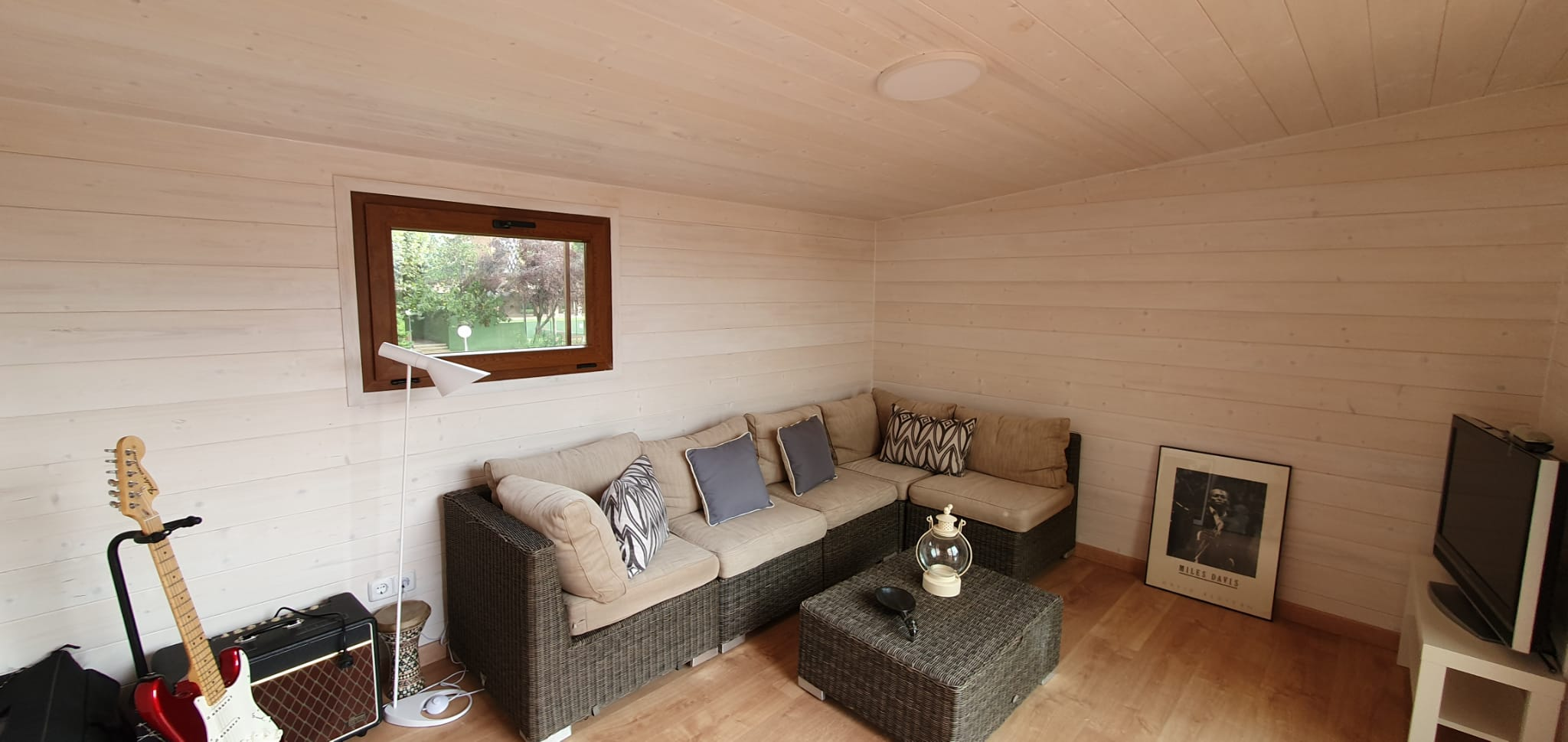 Interior caseta madera habitable 14m2 Caseta Living
