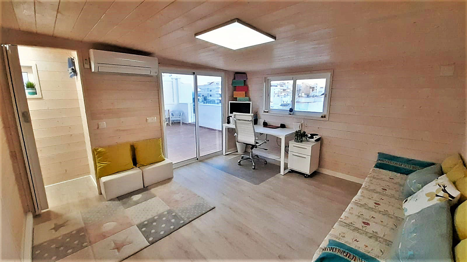Interior caseta madera habitable Madrid 19m2 Caseta Living