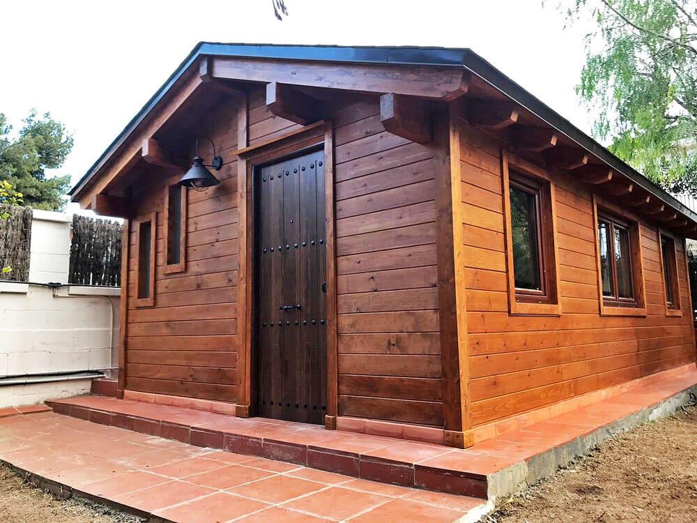 Las casetas de madera necesitan de un tratamiento al estar en el exterior